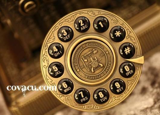 Điện thoại xưa trang trí