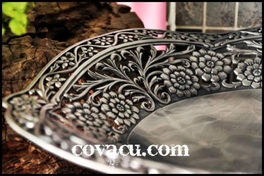 Dĩa giả bạc trang trí hoa văn cổ điển