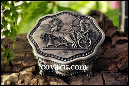 Hộp đựng nữ trang ngựa thành Troy