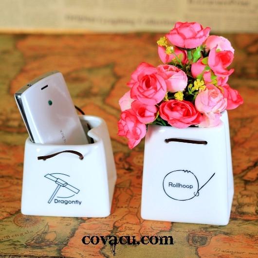 Bình sứ hình túi xách cắm hoa nhỏ nhắn, cá tính!