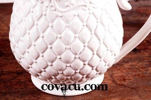 Bình hoa gốm trắng sang trọng