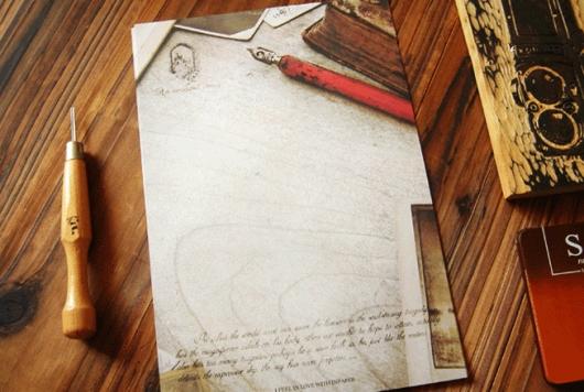 Giấy viết thư cây viết đỏ