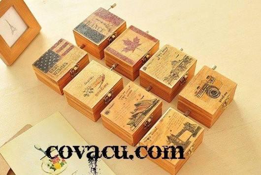 Hộp nhạc bằng gỗ vintage cổ điển