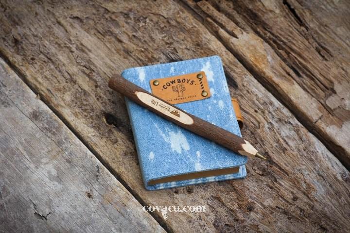 Sổ Jeans bụi, bút gỗ thô, quà handmade cho bạn gái