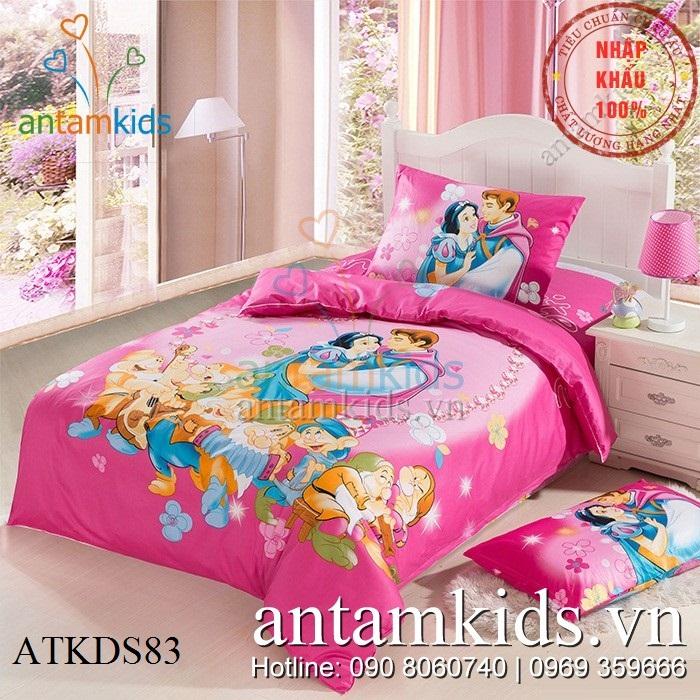Chăn ga gối hình Nàng bạch Tuyết và Bảy chú lùn màu hồng cho bé gái  ATKDS83