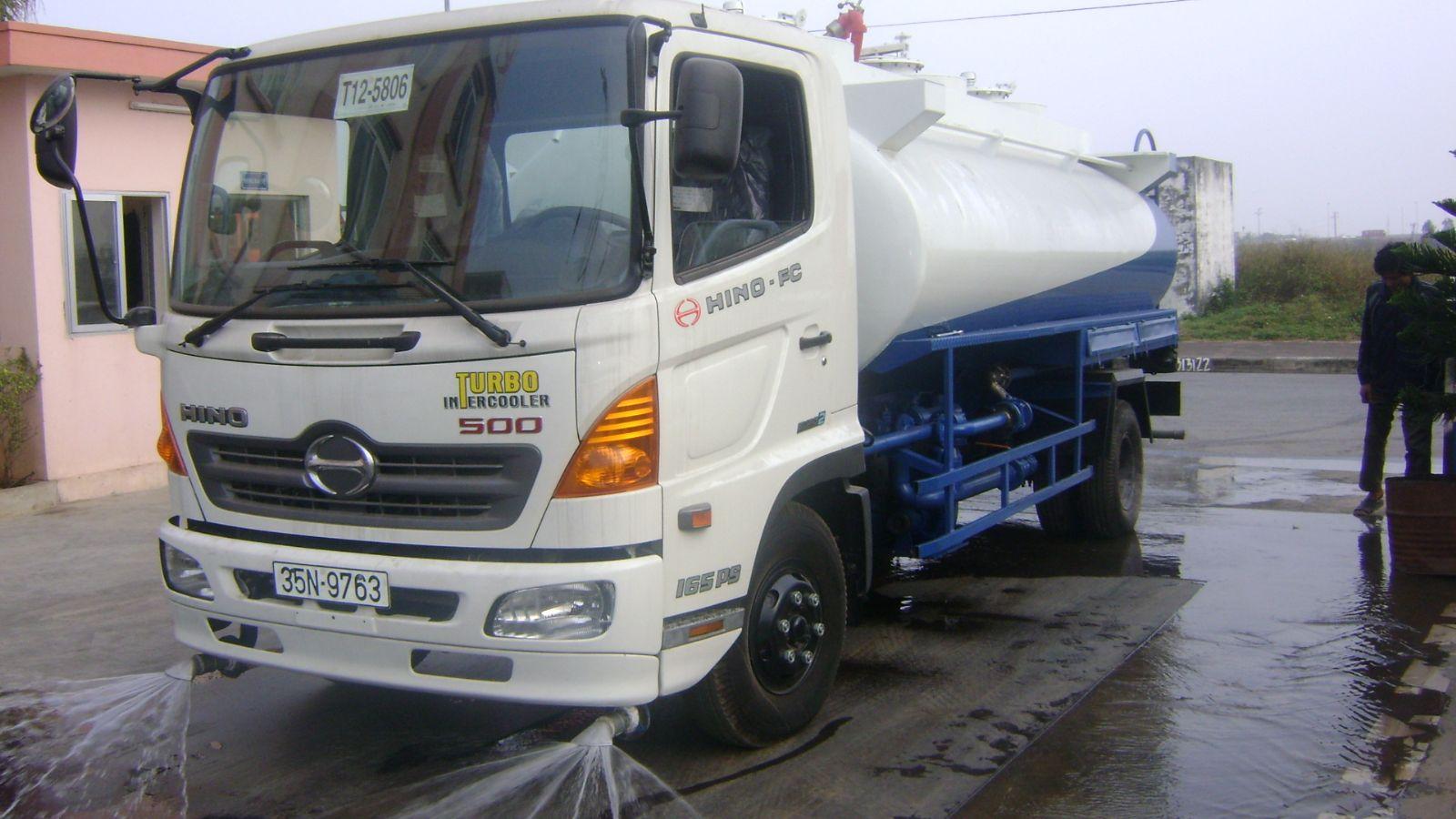 Xe rửa đường- Xe rửa đường Hino