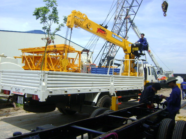 Xe tải gắn cẩu- Foton gắn cẩu 7T