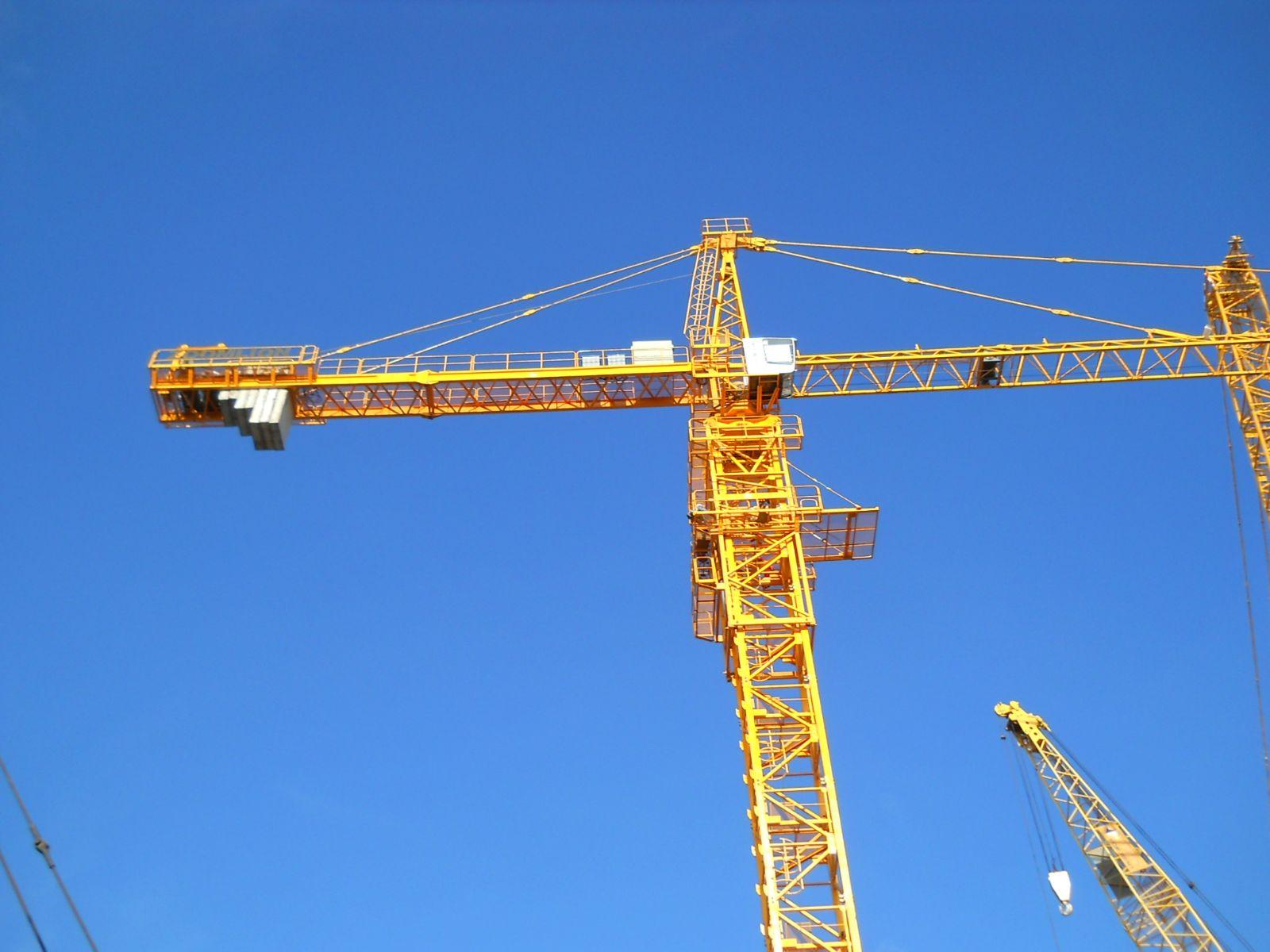 Cho thuê cẩu tháp Zoomlion 6 tấn