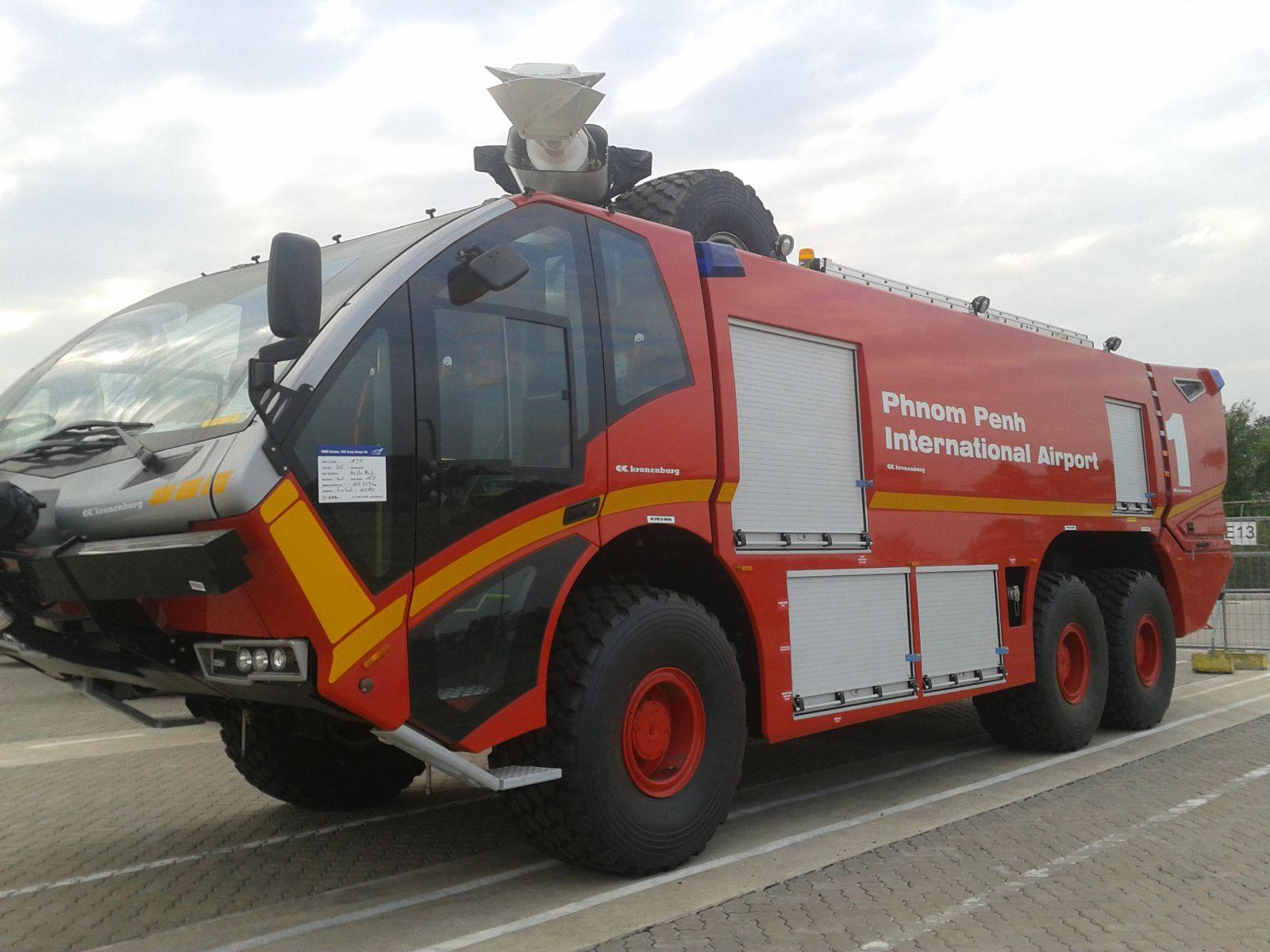 Xe cứu hỏa- xe cứu hỏa sân bay