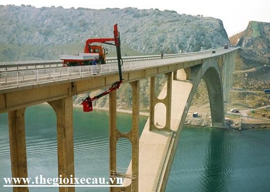 Bán xe kiểm tra cầu đường Hino Palfinger