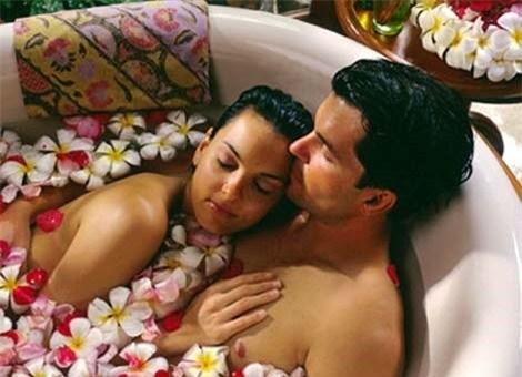 không khí trong phòng tắm cho ta thêm thăng hoa - bao cao su 3s hà nội
