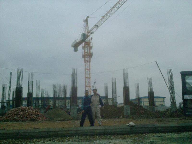 Cho thuê cẩu tháp 18 tấn
