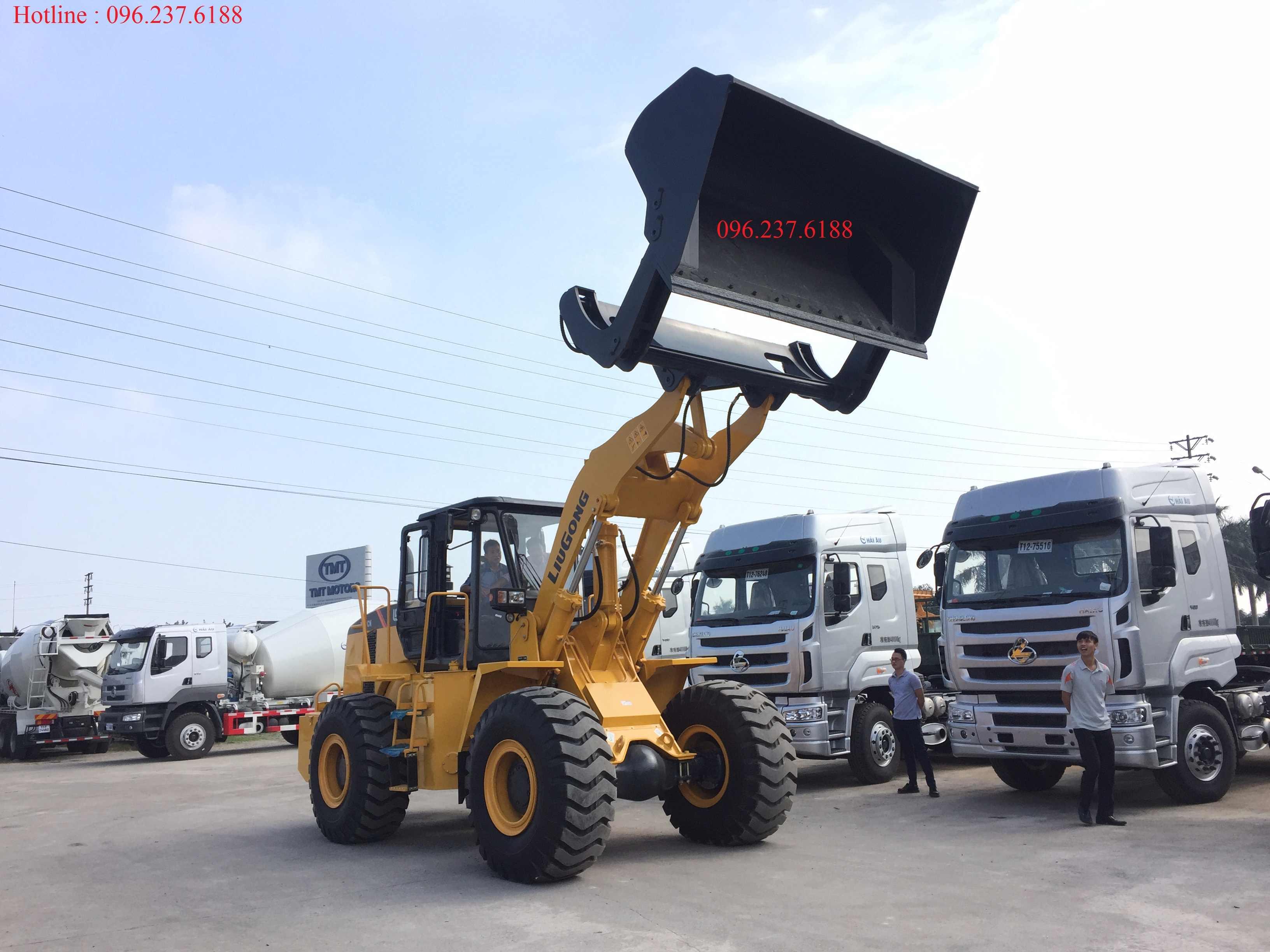 máy xúc lật cần dài đổ cao 4,5m LIUGONG ZL50CN