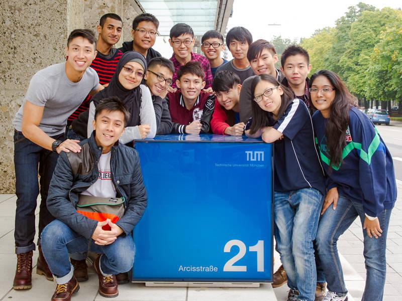 Rất nhiều sinh viên Việt Nam và châu Á lựa chọn du học nghề tại Đức. Ảnh: Tum (nguồn: duhocvietduc)