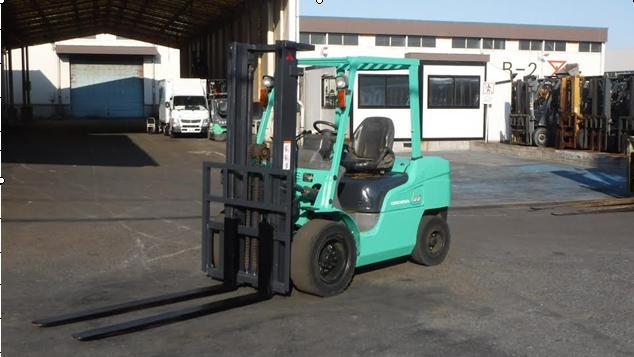 xe nâng động cơ cũ 3.5 tấn