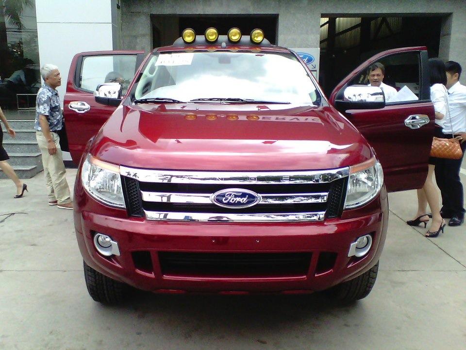 ford ranger 2014 màu đỏ