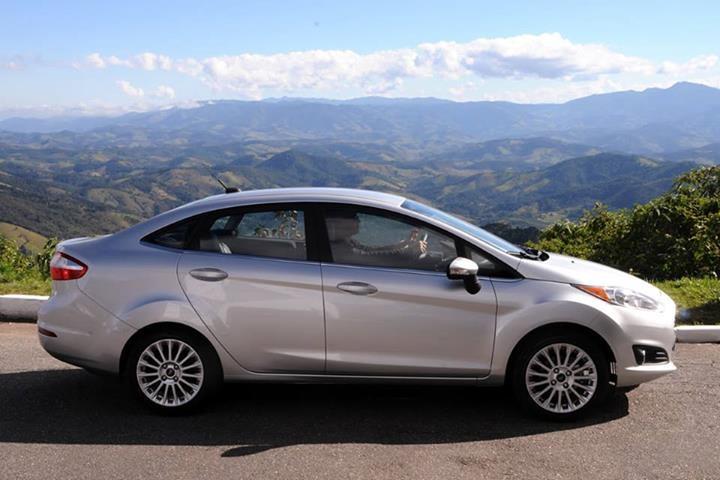 Fiesta 4 cửa 1.5L AT Titanium