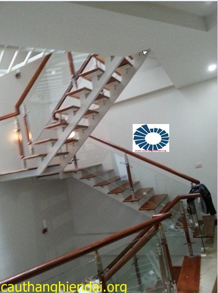cầu thang kính,cau thang kinh