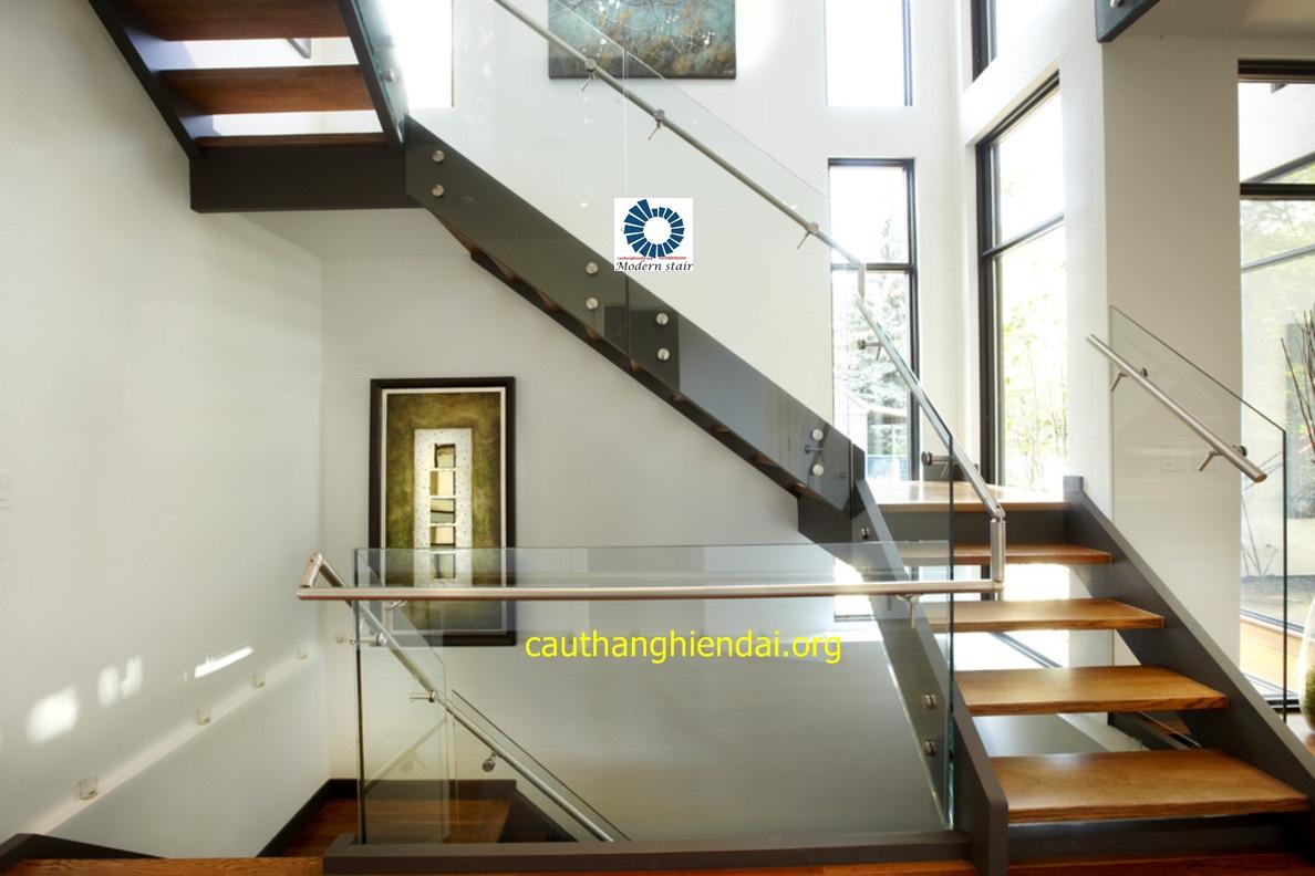 cau thang kinh được cầu thang hiện đại Hà Nội thiết kế và thi công