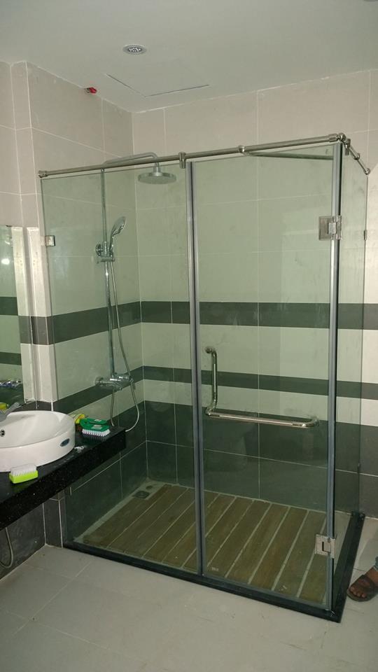 phòng tắm kính, phong tam kinh