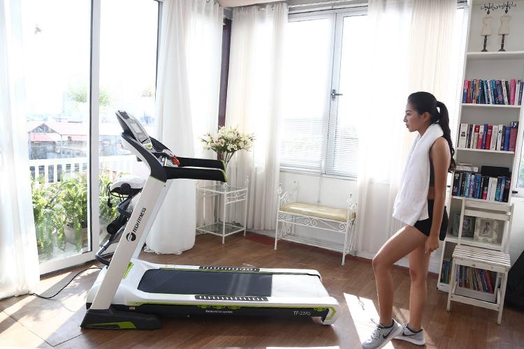 Máy chạy bộ điện Tech Fitness