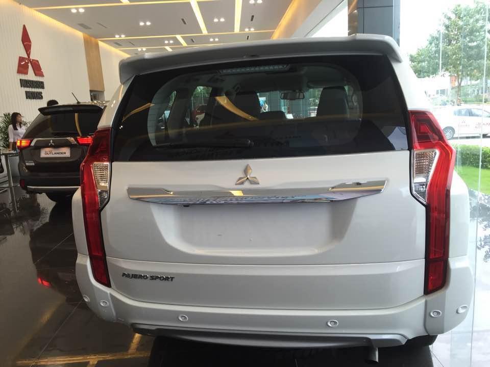 xe-mitsubishi-pajero-sport-premium-2016