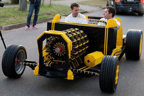 fullsize-lego-car-06-1-4556-1387509934.j