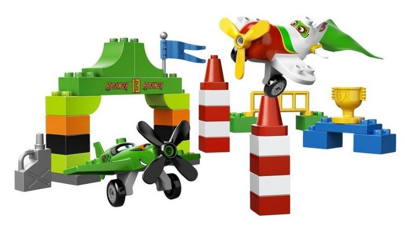 do-choi-xep-hinh-lego-10510-vong-dua-tren-khong