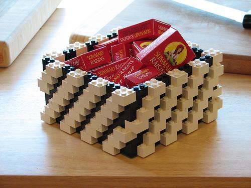 Hộp vuông từ Lego