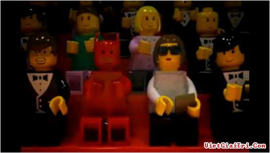 Cùng xem... người mẫu Lego biểu diễn thời trang