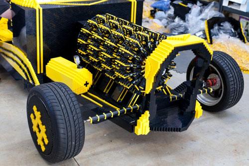 fullsize-lego-car-03-1-1636-1387509935.j