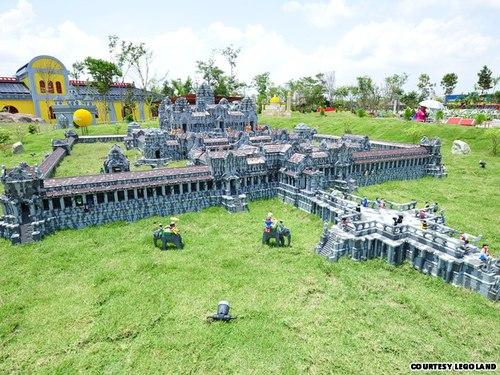công viên nước lego