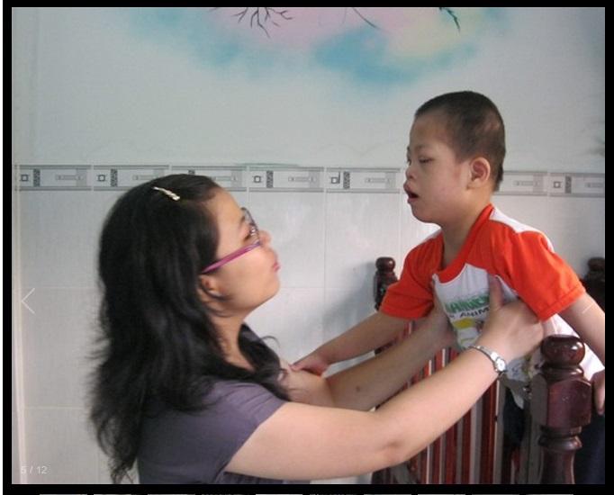 về thăm trẻ khuyết tật - giàn phơi thông minh