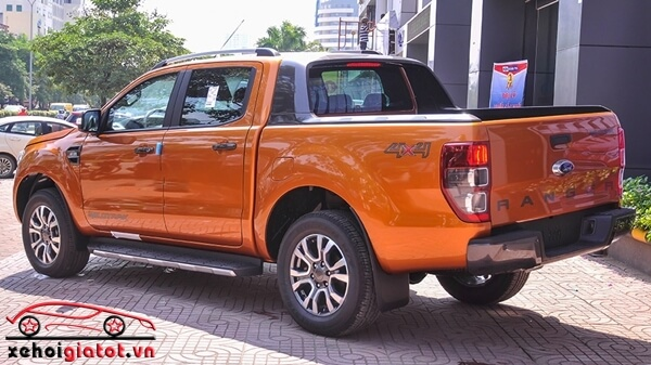 Đuôi xe Ford Ranger Wildtrak 2.2 AT 4x4