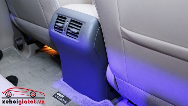 Dàn điều hòa hàng ghế sau xe Nissan Navara VL Premium R