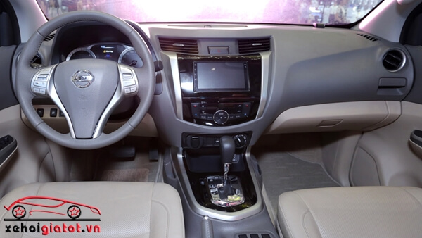 Nội thất xe Nissan Navara VL Premium R