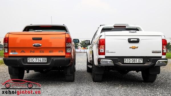Đuôi xe Ford Ranger Wildtrak và Chevrolet Colorado High Country