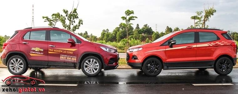 Thân xe Ford EcoSport Titanium Black và Chevrolet Trax LT