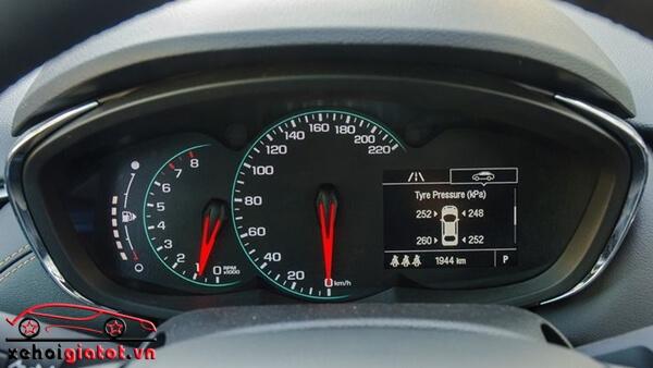 Đồng hồ trung tâm xe Chevrolet Trax LT