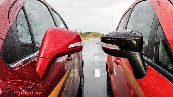 Gương chiếu hậu xe Ford EcoSport Titanium Black và Chevrolet Trax LT