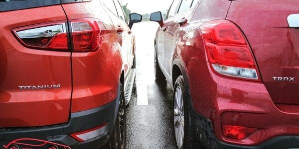 Đèn hậu xe Ford EcoSport Titanium Black và Chevrolet Trax LT
