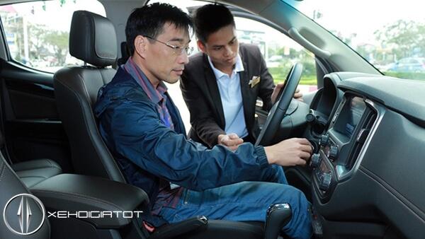 Nhân viên kinh xe ô tô lo thất nghiệp