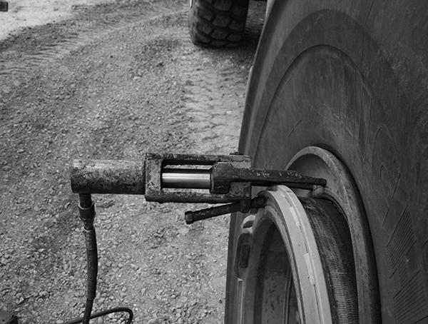 Thiết bị tháo tanh lốp cỡ lớn 5210