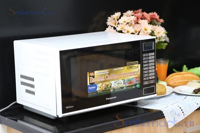 Lò vi sóng Panasonic NN-SF559W