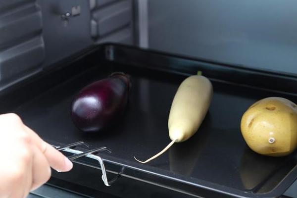 Thực phẩm nên đặt cách nhau ít nhất 1cm