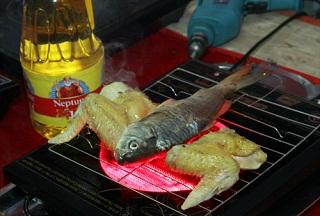 Món cá nướng thơm ngon và siêu nhanh trên mặt bếp hồng ngoại SHD 6605