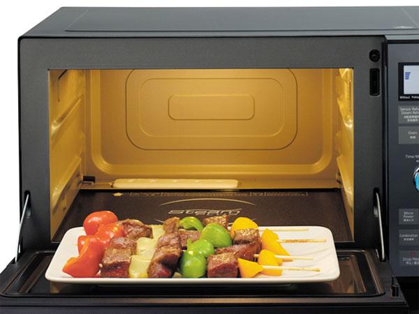 Hâm nóng thức ăn bằng lò vi sóng cực nhanh và hiệu quả