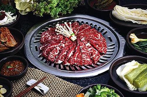 Thưởng thức món thịt bò nướng