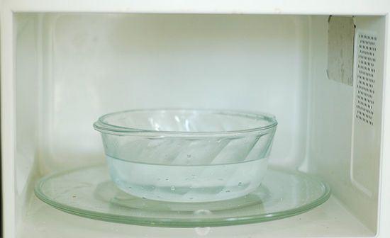 Khử mùi bằng nước đơn giản, tiện dụng và rất dễ làm
