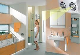 Đèn sưởi nhà tắm luôn đặt lắp đặt cao trên trần nhà để tránh tầm tay trẻ  em